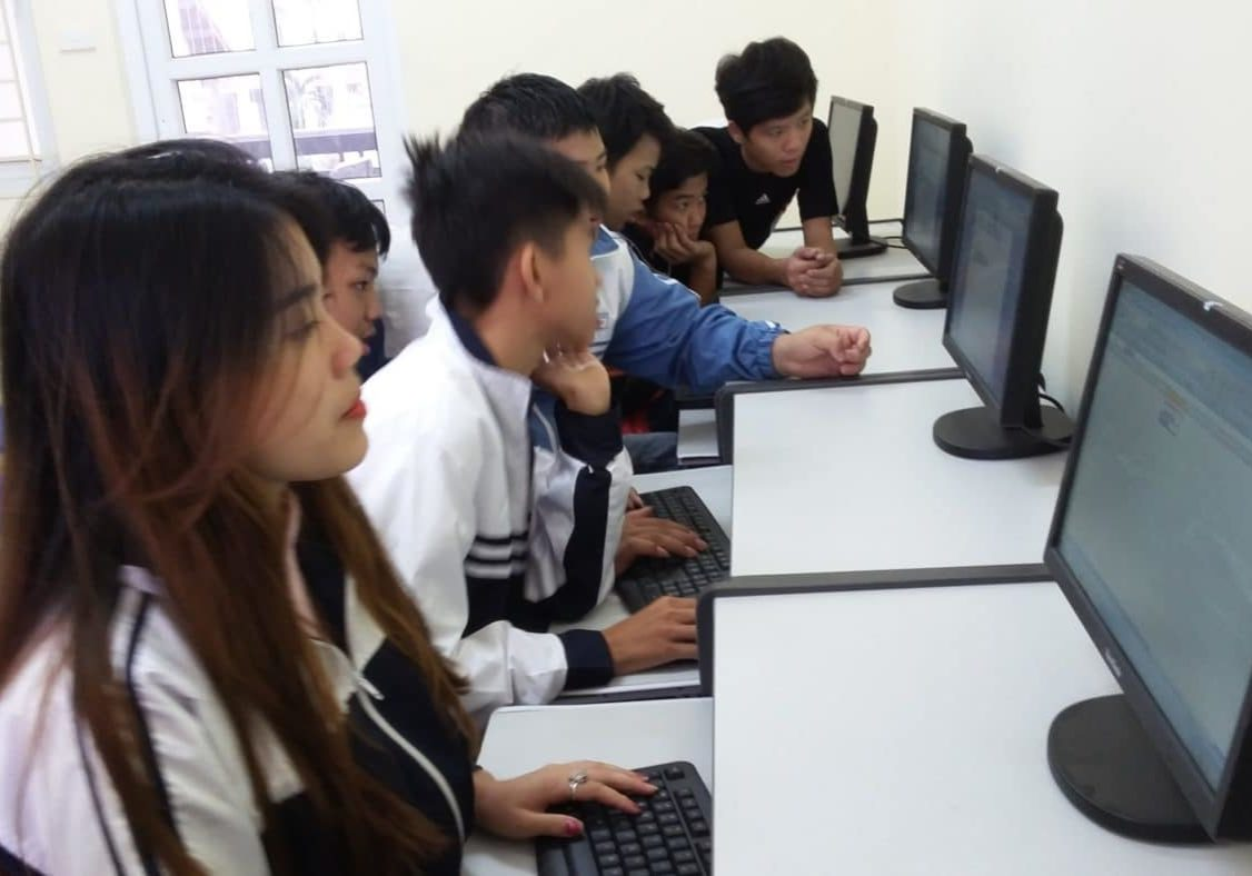 Children At A IT Training Course (3)